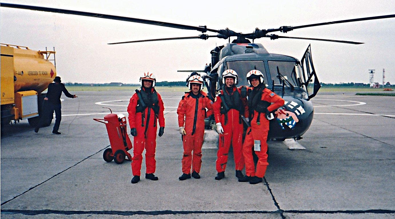 Oef 012 1999 Marine Search and Rescue team IMG 0065
